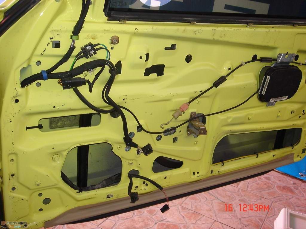 厦门日日建安奔驰SL500敝篷跑车DLS音响改装进行中