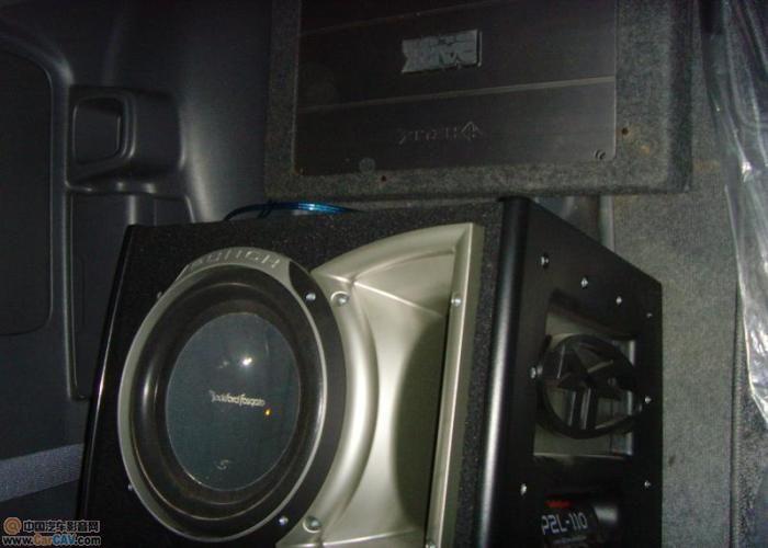 丰田霸道音响升级.高清图片