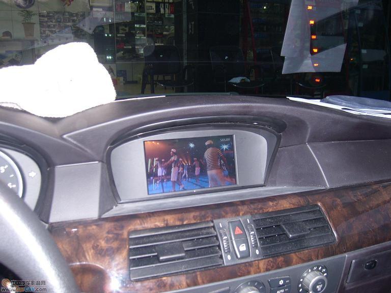 成都瑞达宝马5系加装DVD倒车可视高清图片