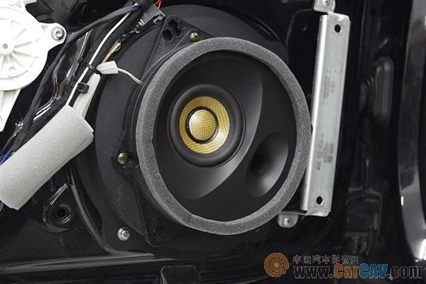 奥迪TT搭配声丽创音套装喇叭,更精致