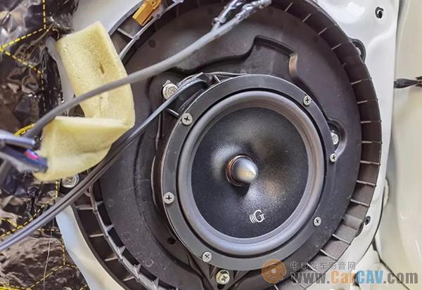 英菲尼迪Q50L搭配全套黃金聲學,豪華的排列里更有