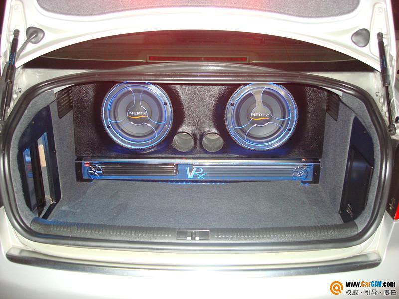 A4 汽车音响改装 奥迪A4原车升级高清图片