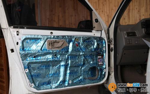 中低音喇叭接线和安装   驾驶室车门隔音,采用满铺法,全面高清图片