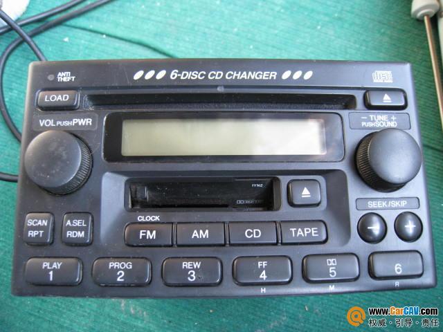本田6碟cd 卡座车机 裸重近3公斤高清图片