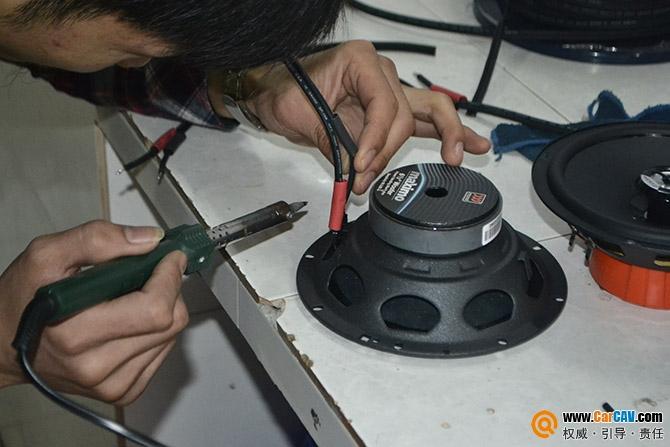 【重庆天龙】雪铁龙毕加索汽车音响改装摩雷入门级人声享受 - 香港佳能仕公司 - 汽车音响改装案集锦!摩雷和MOSCONI