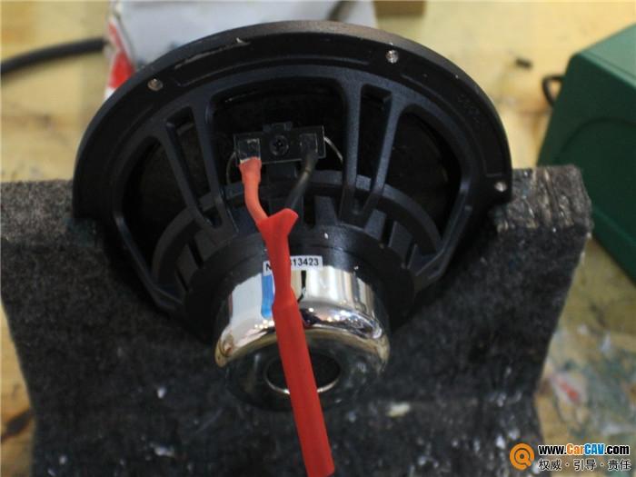 速腾保险丝位置示意图-上海音豪大众速腾汽车音响改装雷贝琴余音袅袅高清图片