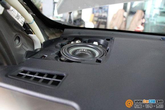上海道声丰田新RAV4音响改装 隔音降噪 无损升级喇叭功放低音炮高清图片