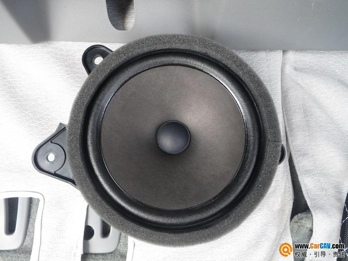 成都锐驰丰田塞纳汽车音响改装雷贝琴 营造完美音效高清图片