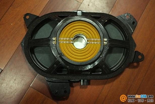 丰田阿尔法 拆车 JBL低音 汽车影音网论坛 汽车音响改装升级 汽车导航高清图片