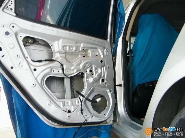 脱胎换骨的改装 佛山曼波起亚k2汽车音响改装爱威高清图片