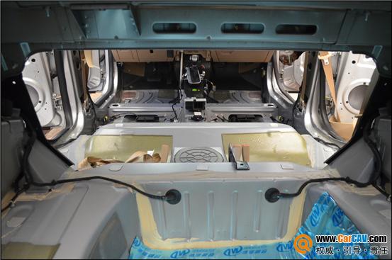 上海音航汽车音响改装 荣威550升级惠威 德维隔音高清图片