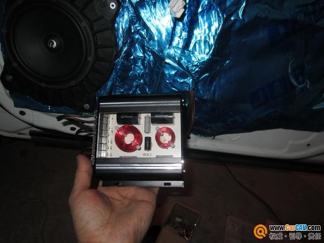 前声场高音喇叭安装倒模制作   经过一系列的拆卸,布线,接线,安装图片