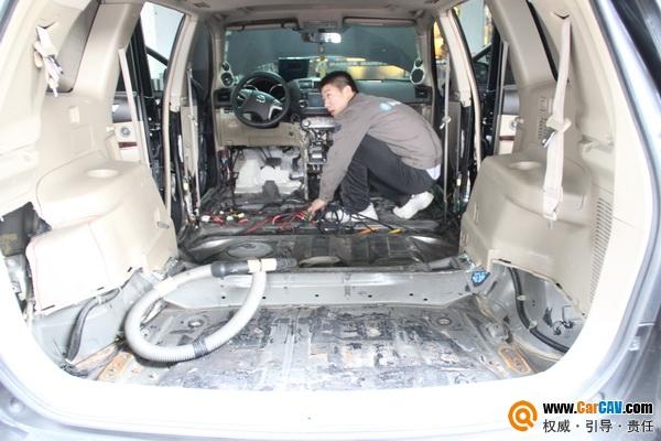广州卖音乐丰田汉兰达汽车音响改装西海岸 体验升级乐趣