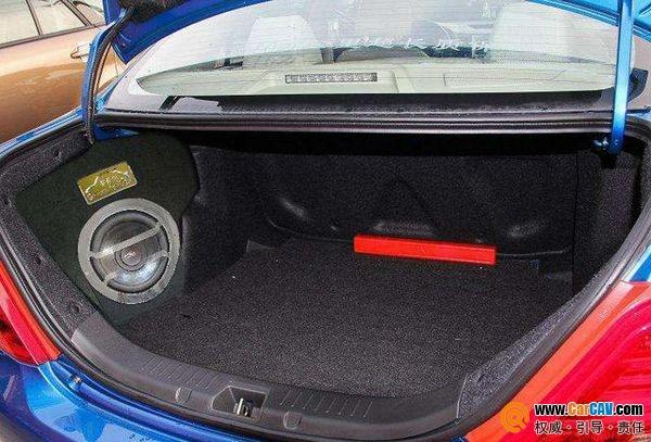 汽车音响改装中低音炮如何安装位置选择