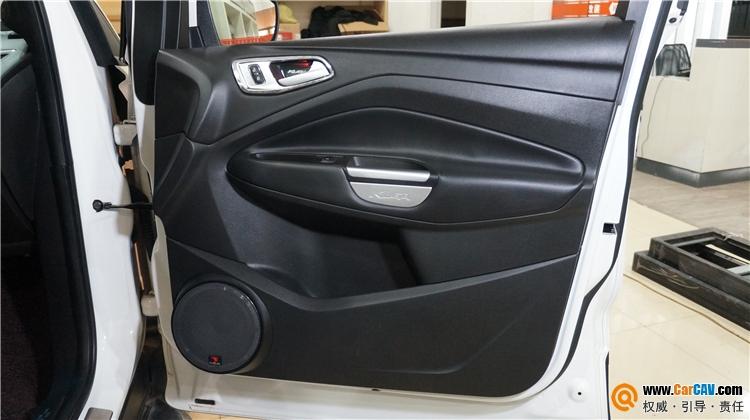 福特翼虎汽车门板中低音倒模改装FOCAL音响
