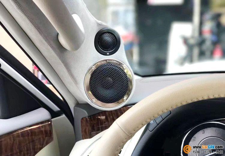 日产途乐汽车三分频倒模工艺音响改装 尾箱倒模造型