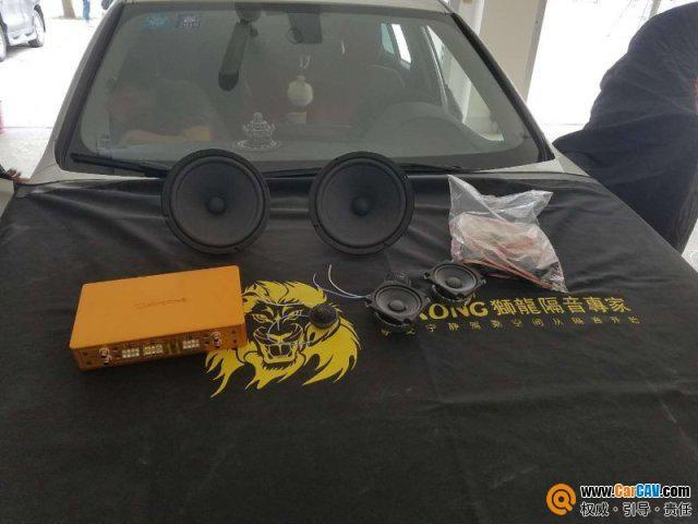 宝马320改装升级德国RS音符三分频,把音乐与爱装进车里