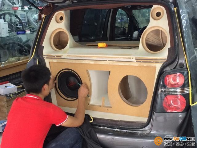 哈尔滨晓辉大众途安汽车音响改装伊顿 追求极致音