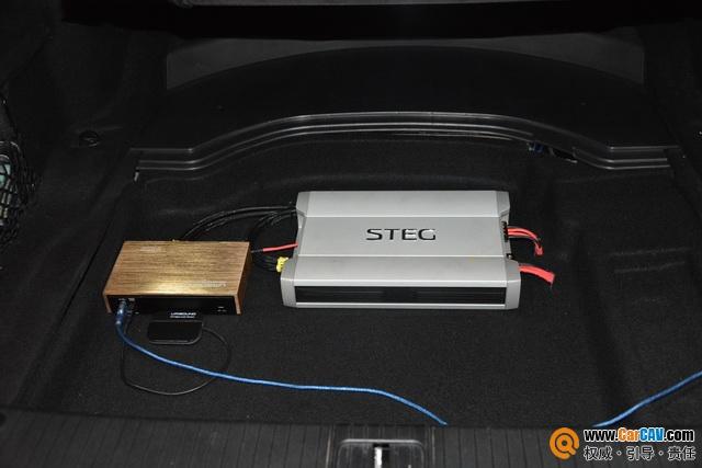 苏州广东仔奔驰E300L汽车音响改装丹拿 完美有姿态