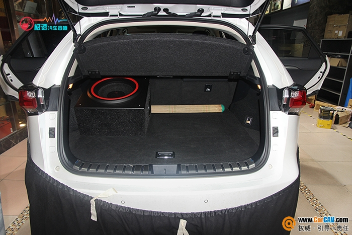 雷克萨斯NX200汽车尾箱倒模升级FOCAL超低音喇叭