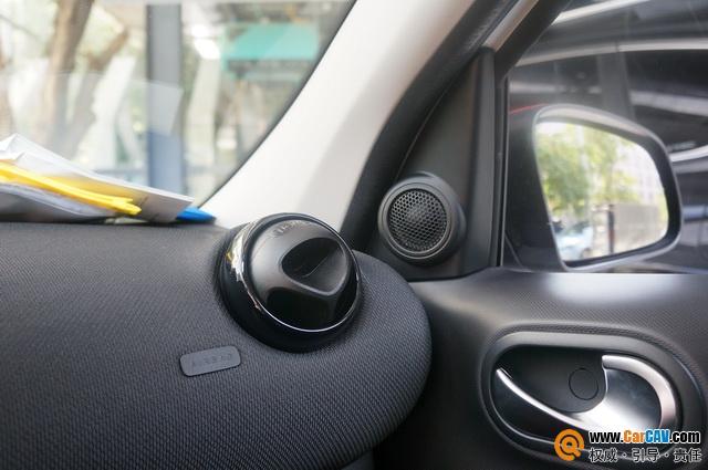 就在身旁 福州沃酷奔驰smart汽车音响改装丹拿40周
