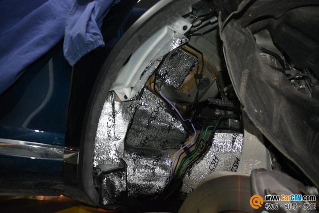 苏州广东仔大众途锐汽车隔音改装STP 降噪止震隔音