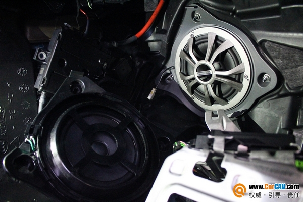 上海澳达龙奔驰GLC汽车音响升级丹拿M17 增添色彩
