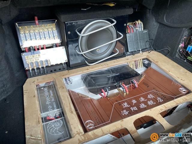洛阳道声奔驰E300汽车音响改装海螺 三分频+倒模工艺