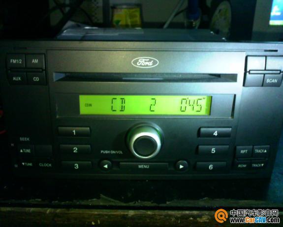 1:货物名称及数量:福特福克斯原车 cd1台   3:成色:9   4:三高清图片