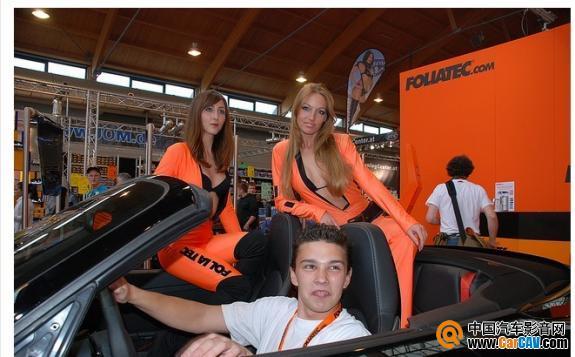 FOLIATEC美女在工厂大摆pose,抢鲜看富丽汽车膜的德国美女们 - 太能团队 - 《汽车美容店金牌店长》