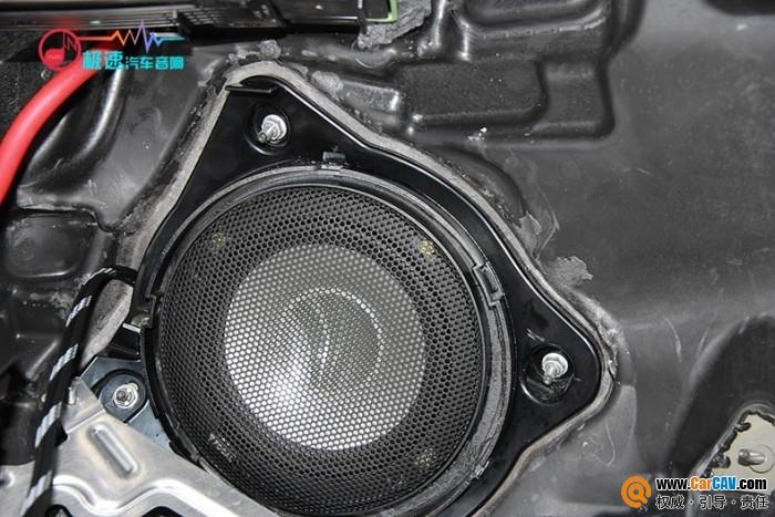 广州极速奔驰E300L汽车音响改装劲浪 分忧必备小神器